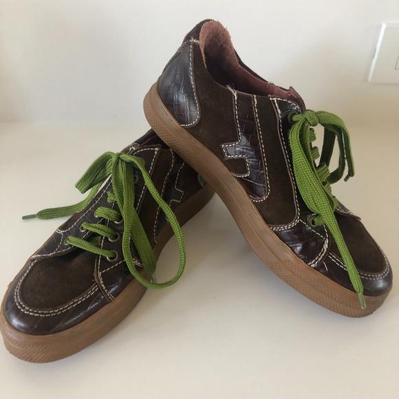 John Fleuvog Croc & Suede sneakers size 7